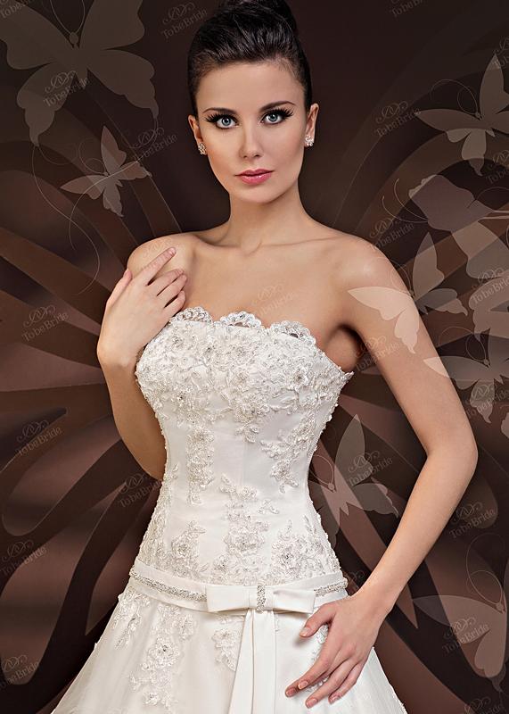 Платье свадебные с корсетом из кружева