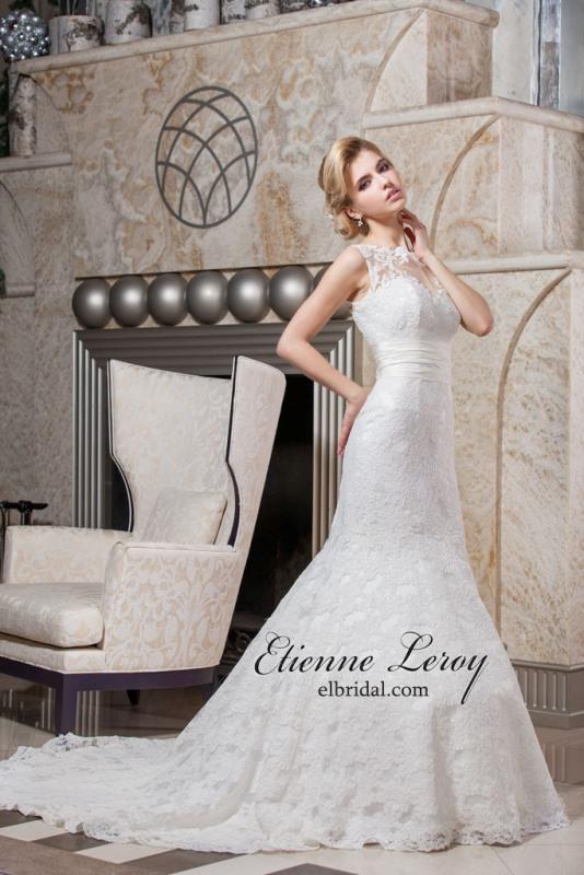 Свадебный салон Гармония Брянск - салон свадебной и Ретро платье с белым воротником фото