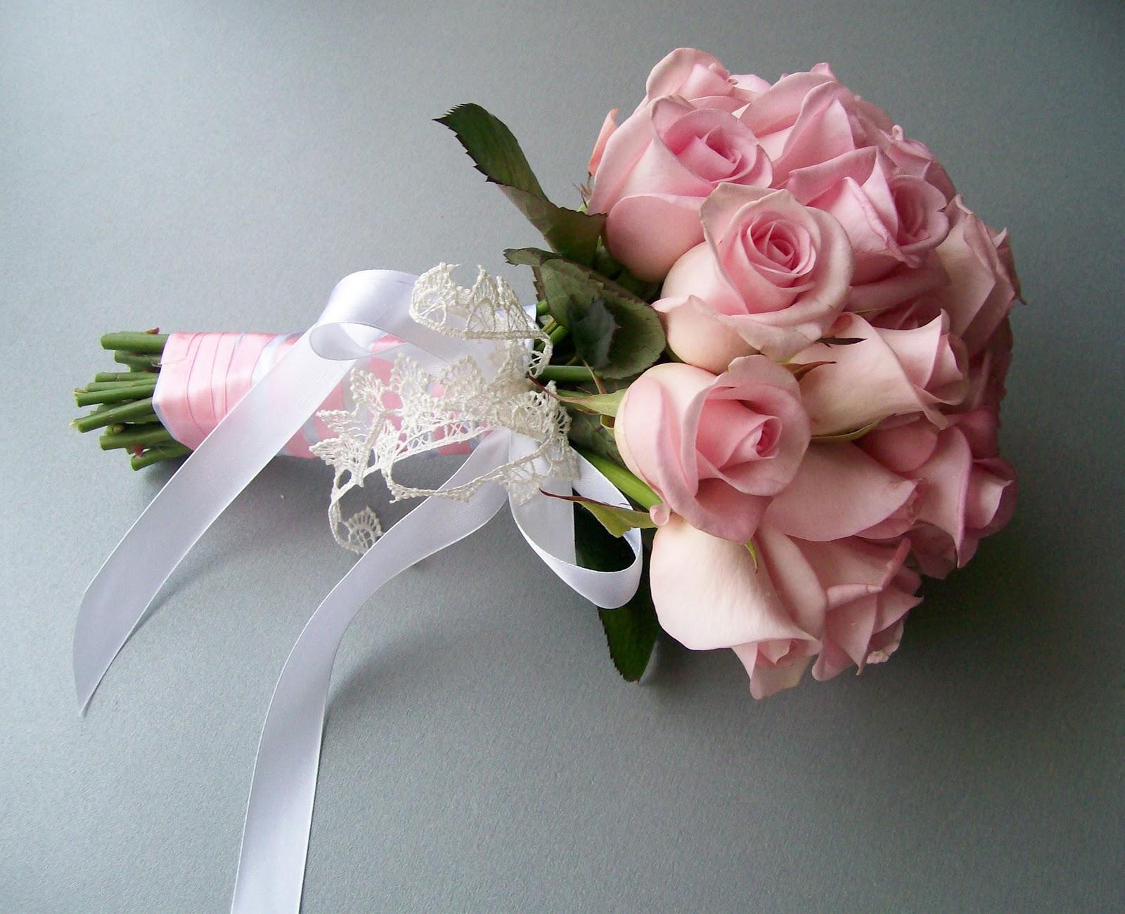 Букеты на свадьбу своими руками фото с живыми цветами 71