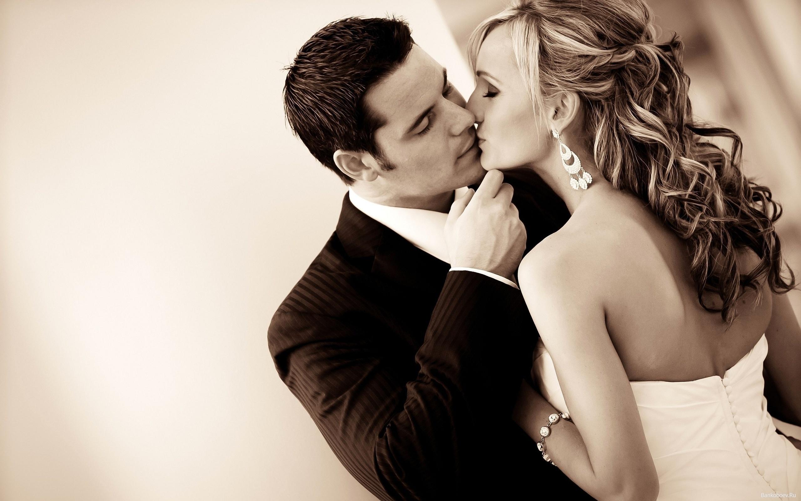 Эротическая красивая первая брачная ночь 9 фотография